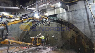 Application of hollow grouting anchor bolt in tunnel pre-support engineering